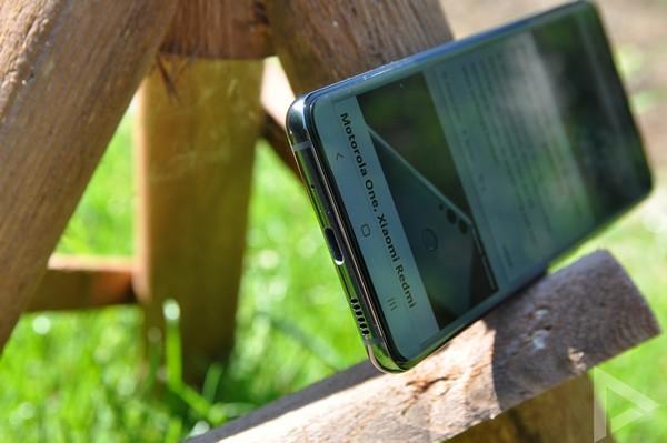 Samsung Galaxy S20 USB speaker