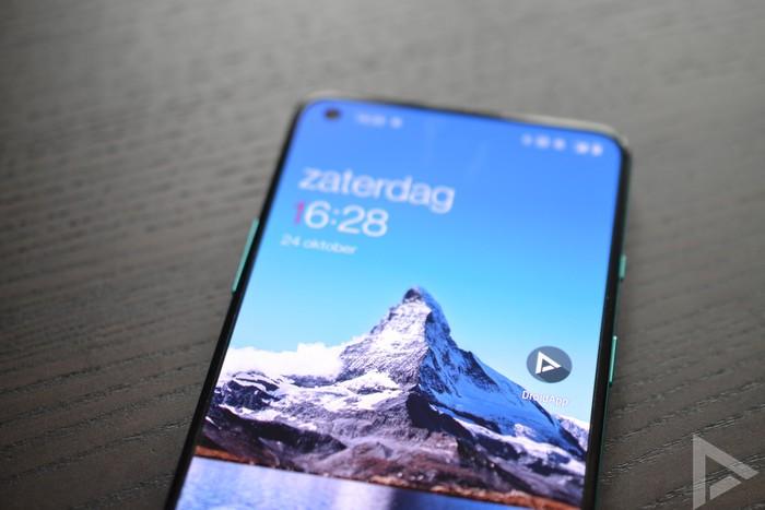 OnePlus 8T display
