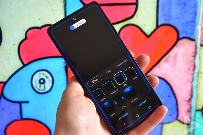 Samsung Galaxy S20 FE edge lighting