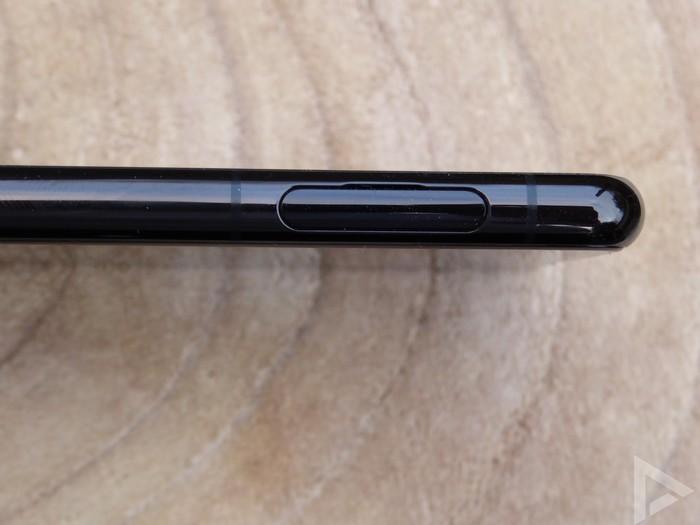 Sony Xperia 5 II sim