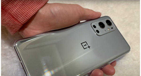 OnePlus 9 Pro hands-on achterkant