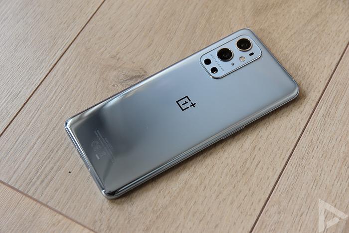 OnePlus 9 Pro achterkant