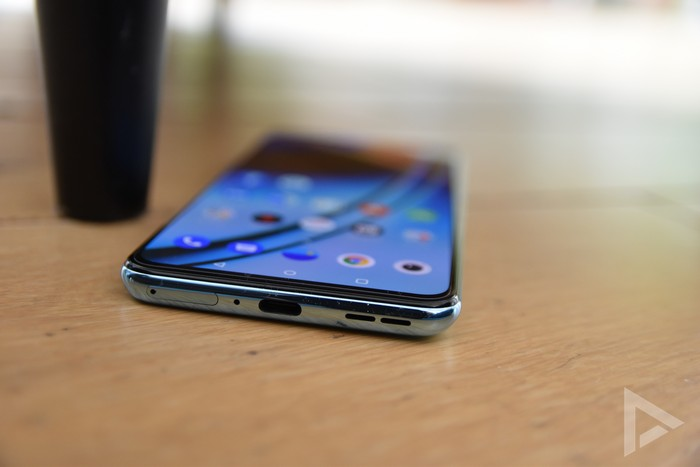 OnePlus Nord 2 onderkant