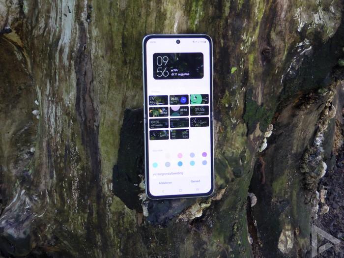 Samsung Galaxy Z Flip 3 cover display